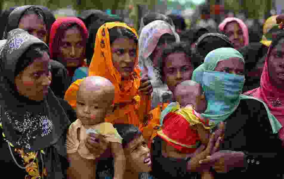 Pope Francis enters Rohingya Muslim minefield with Myanmar-Bangladesh trip
