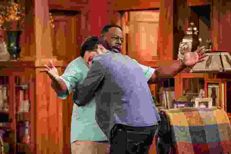 Scott D. Pierce: Is African-American character in 'The Neighborhood' a racist?