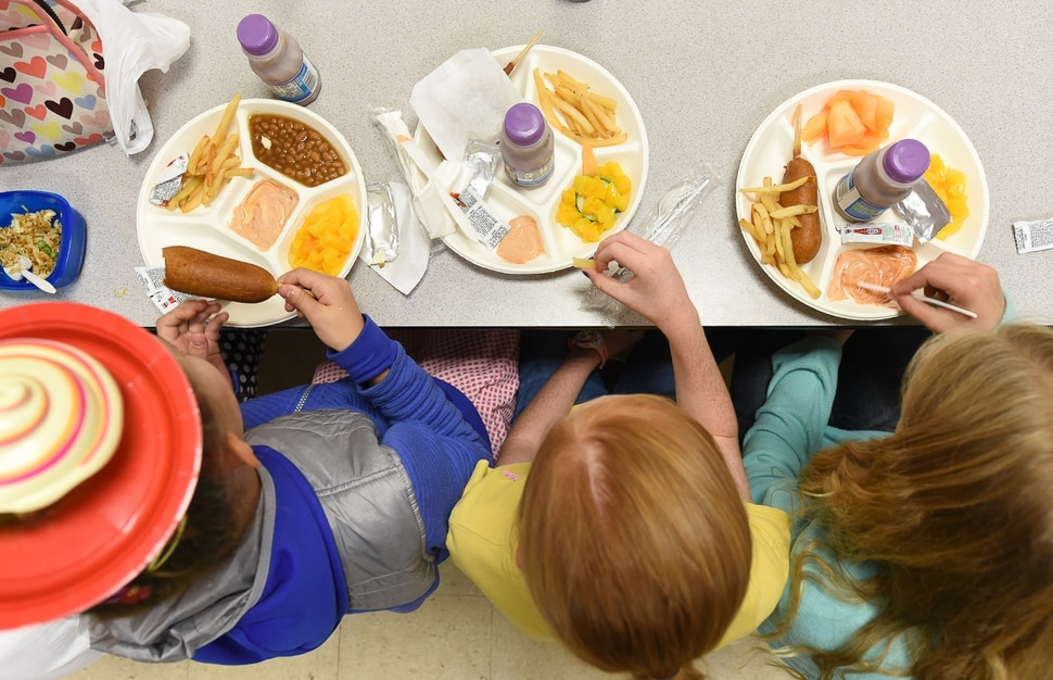 (Francisco Kjolseth | The Salt Lake Tribune) Kids at Tolman Elementary in Bountiful have lunch on Friday, Sept. 13, 2019.