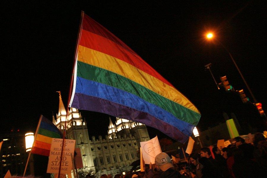 Bath gay house montreal