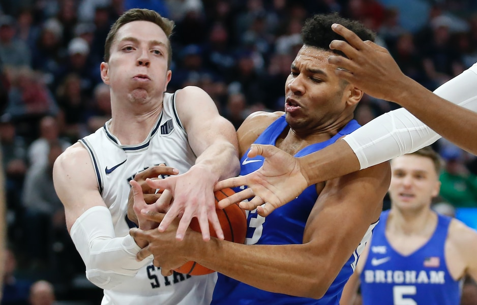 Utah State Aggies downed by untimely scoring droughts in loss to BYU