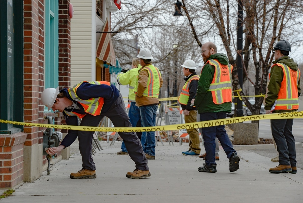 (Francisco Kjolseth | The Salt Lake Tribune) Salt Lake County engineers and building officials check structural integrity along Magna's historic Main Street along with surrounding properties on Thursday, March 19, 2020, following the 5.7 magnitude earthquake that struck on Wednesday morning.