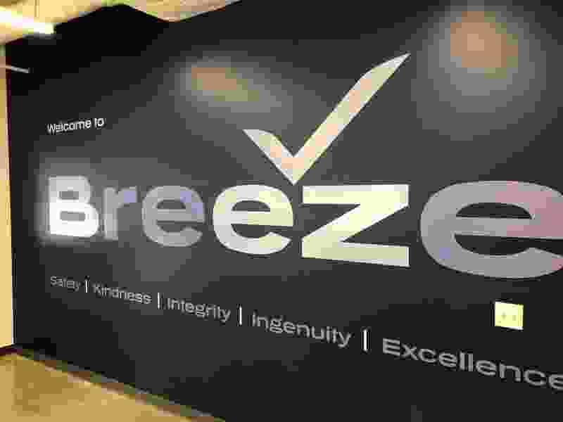 New Breeze Airways opens national headquarters in Utah