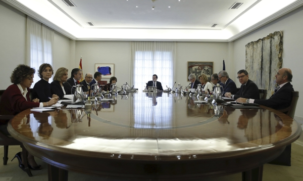 Spain's Prime Minister Mariano Rajoy presides over a Cabinet meeting in Madrid, Spain, Saturday, Oct. 21, 2017. The meeting is expected to outline the measures to take over control of the northeastern Catalonia in the latest attempt to stop an independence bid by regional authorities. (Juan Carlos Hidalgo, Pool Photo via AP)