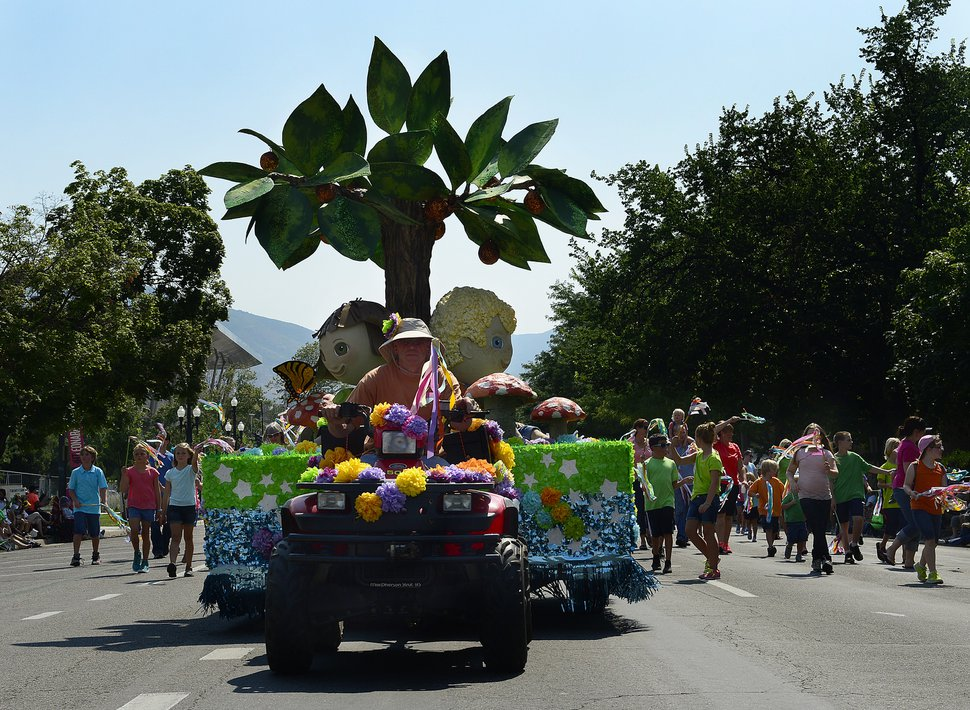 Scott Sommerdorf | The Salt Lake Tribune The Mount Olympus Stake float in the annual Days of '47 Youth Parade flowed through downtown Salt Lake City on Saturday, July 19, 2014.