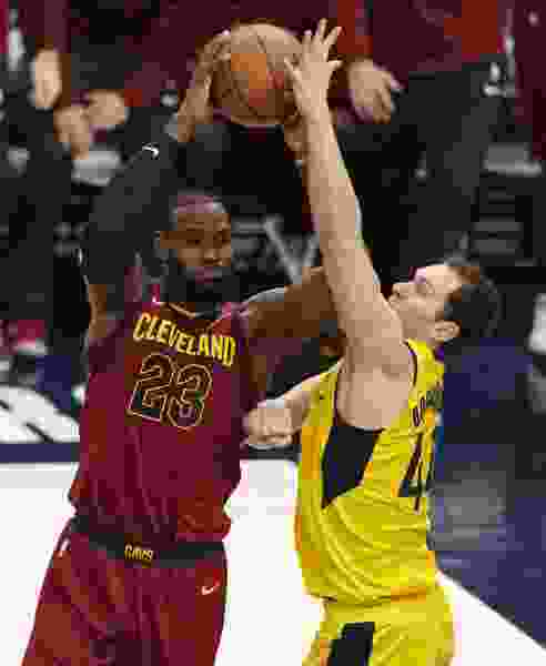 NBA roundup: LeBron James gets some help from Kyle Korver as Cavaliers even series with Pacers at 2-2