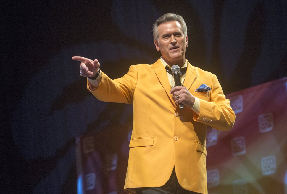 (Rick Egan | The Salt Lake Tribune) Actor Bruce Campbell talks to the crowd at Comic Con, at the Salt Palace, Friday, Sept. 5, 2014