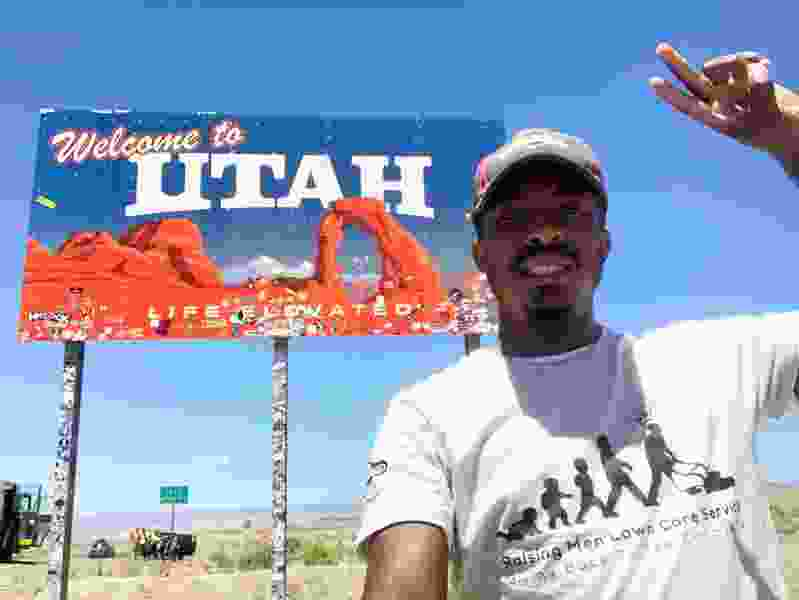 Lawnmower man makes Utah the 34th stop on his 50-state grass-cutting trek