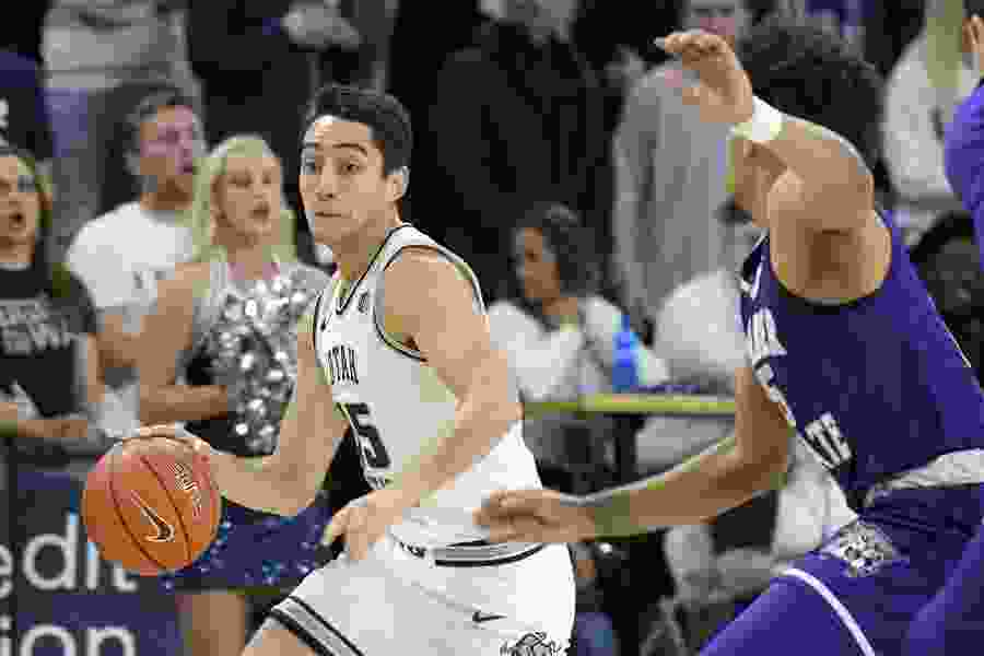 No. 17 Utah State hammers Weber State 89-34