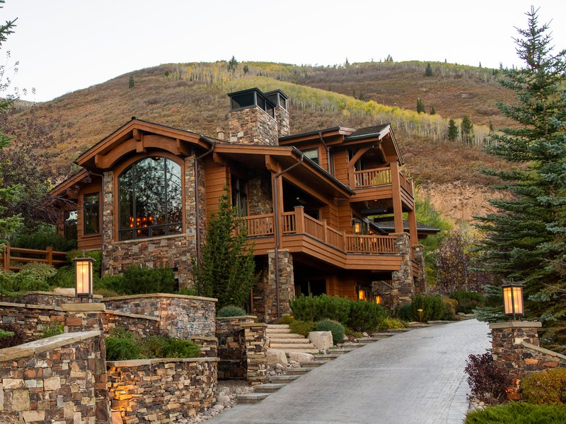 COVID-19 has wealthy buyers fleeing to Park City