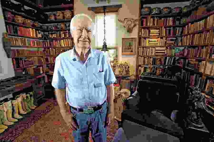 Forrest Fenn, art dealer whose treasure sent hunters scouring the U.S. West, dies