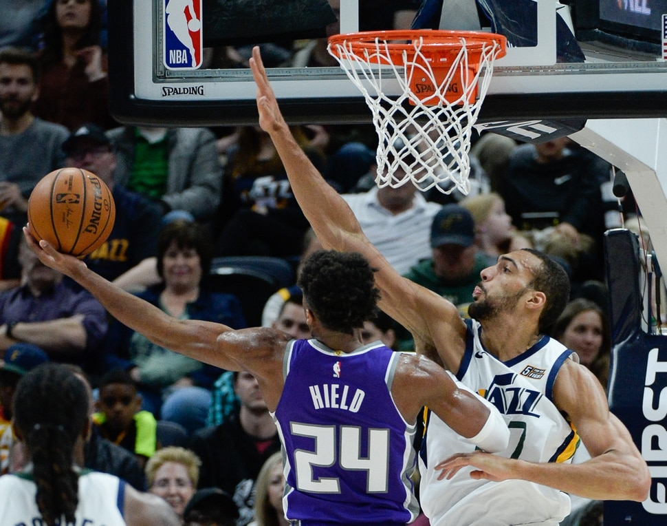 12a65b32af2c Utah Jazz cruise past Sacramento Kings for seventh straight victory ...