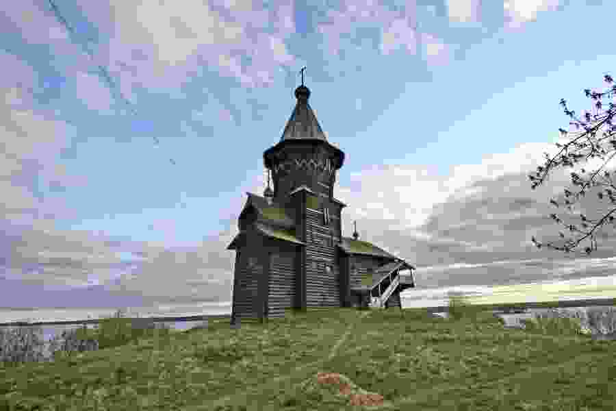 Historic wooden church in northwest Russia destroyed by fire