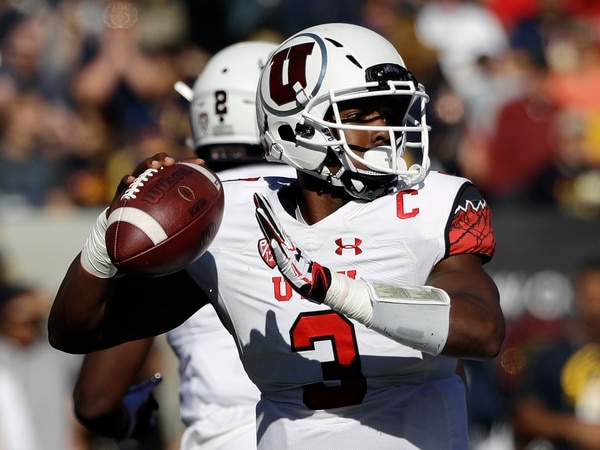 Utah quarterback Troy Williams looks to throw against California during the first half of an NCAA college football game Saturday, Oct. 1, 2016, in Berkeley, Calif. (AP Photo/Marcio Jose Sanchez)