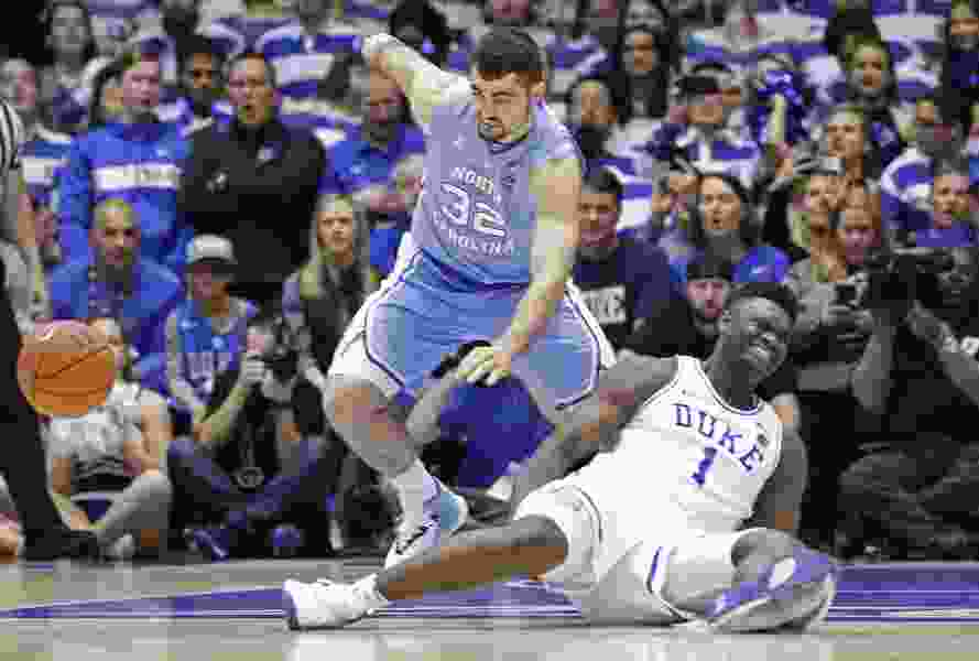 Duke star Zion Williamson sprains knee after Nike shoe blows out