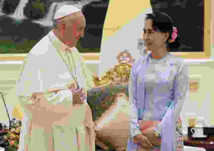 Pope Francis demands rights for all in Myanmar, omits 'Rohingya' Muslims