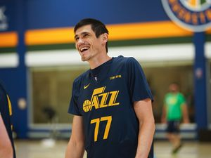 (Photo courtesy of Utah Jazz) Forward Ersan Ilyasova goes through his first practice with the Utah Jazz on March 11, 2021.