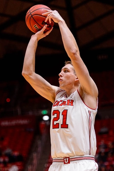 (Trent Nelson | The Salt Lake Tribune) Utah Utes forward Tyler Rawson (21) shoots as the University of Utah hosts Northwestern State, NCAA basketball in Salt Lake City, Wednesday December 20, 2017.