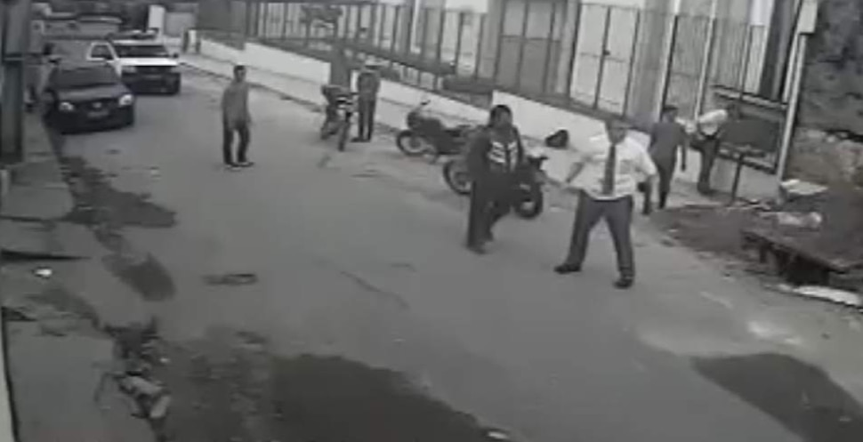 The minute-long video of a Mormon missionary beating back a would-be attacker, apparently captured on a security camera , ends with the would-be robbers fleeing on foot — and the missionary, shirt and tie askew, standing victorious, his arms held out from his sides and seemingly ready for more.