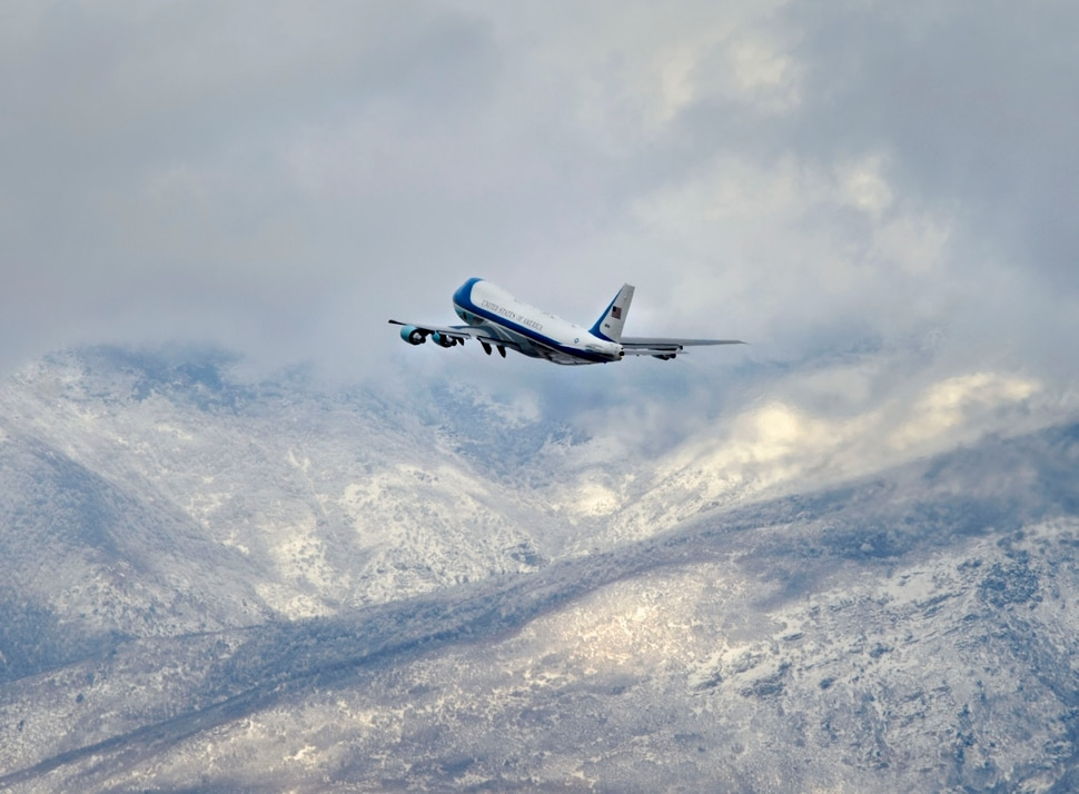 (Steve Griffin | The Salt Lake Tribune) Air Force One leaves the Salt Lake International Airport after President Trump visited Salt Lake City Monday December 4, 2017.
