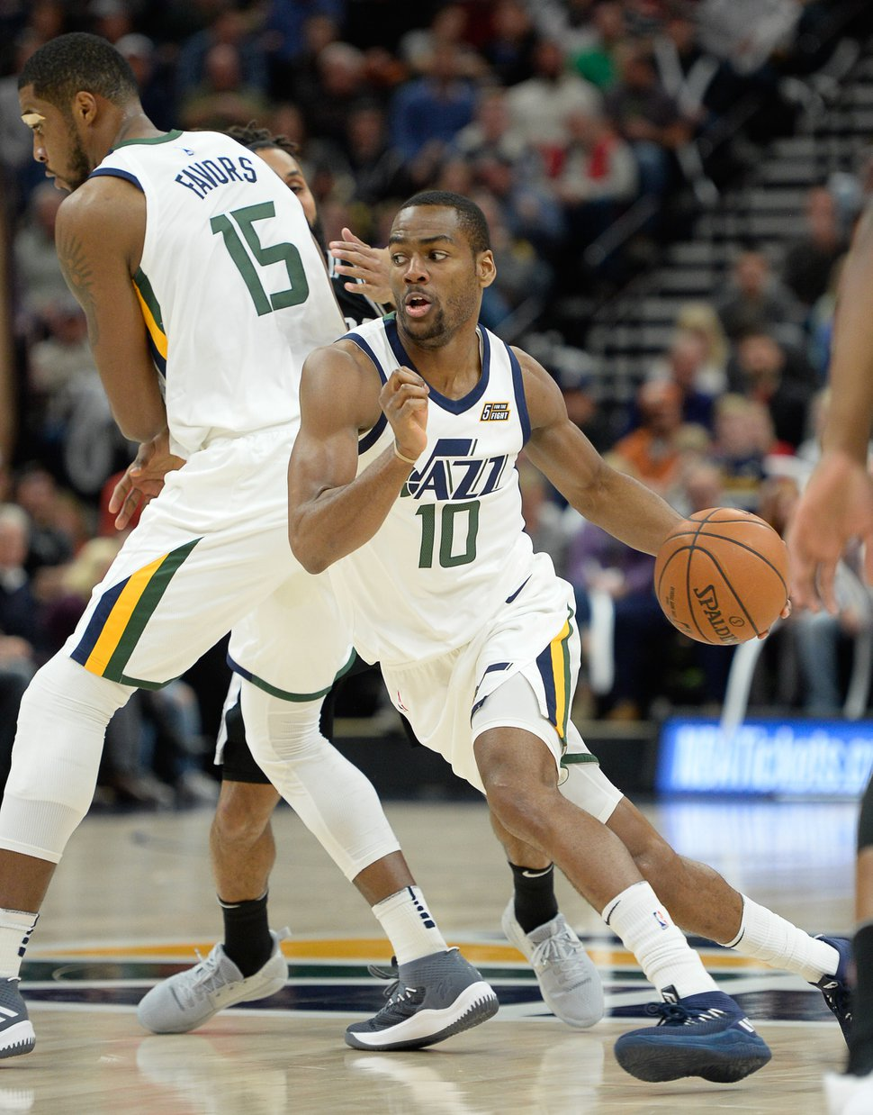 (Francisco Kjolseth | The Salt Lake Tribune) Utah Jazz guard Alec Burks (10) makes his way to the basket against the Spurs during the first quarter of an NBA basketball game in Salt Lake City, Thursday, Dec. 21, 2017.