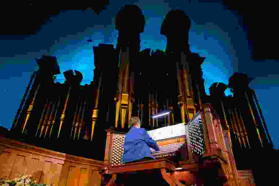 Longtime Tabernacle organist retires after playing an instrumental, if accidental, role in advancing the visibility of Latter-day Saint women