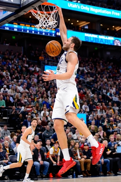 (Trent Nelson | The Salt Lake Tribune) Utah Jazz forward Bojan Bogdanovic (44) dunks as the Utah Jazz host the Dallas Mavericks, NBA basketball in Salt Lake City on Saturday, Jan. 25, 2020.