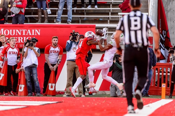Trent Nelson | The Salt Lake Tribune Oregon Ducks wide receiver Darren Carrington II (7) pulls in the game-winning touchdown, ahead of Utah Utes defensive back Brian Allen (14) as Utah hosts Oregon, NCAA football at Rice-Eccles Stadium in Salt Lake City, Saturday November 19, 2016.