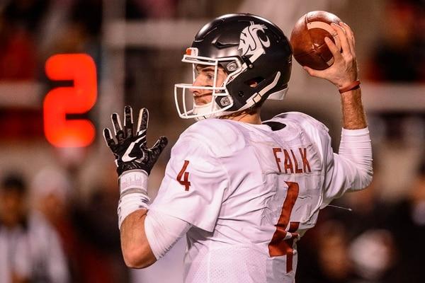(Trent Nelson | The Salt Lake Tribune) Washington State Cougars quarterback Luke Falk (4) as the University of Utah hosts Washington State, NCAA football in Salt Lake City, Saturday November 11, 2017.