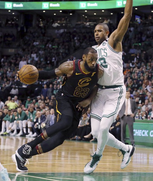 dfb155b6f5f LeBron James drives Cavaliers past Celtics