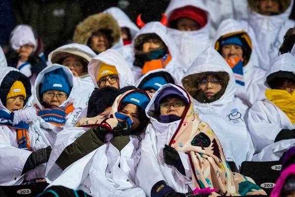 (Chris Detrick   The Salt Lake Tribune) Spectators watch the Ladies' Moguls Final at Phoenix Park during the Pyeongchang 2018 Winter Olympics Sunday, February 11, 2018.