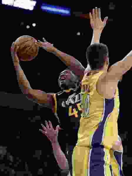Mitchell shines as Jazz beat Lakers to finish preseason play unbeaten