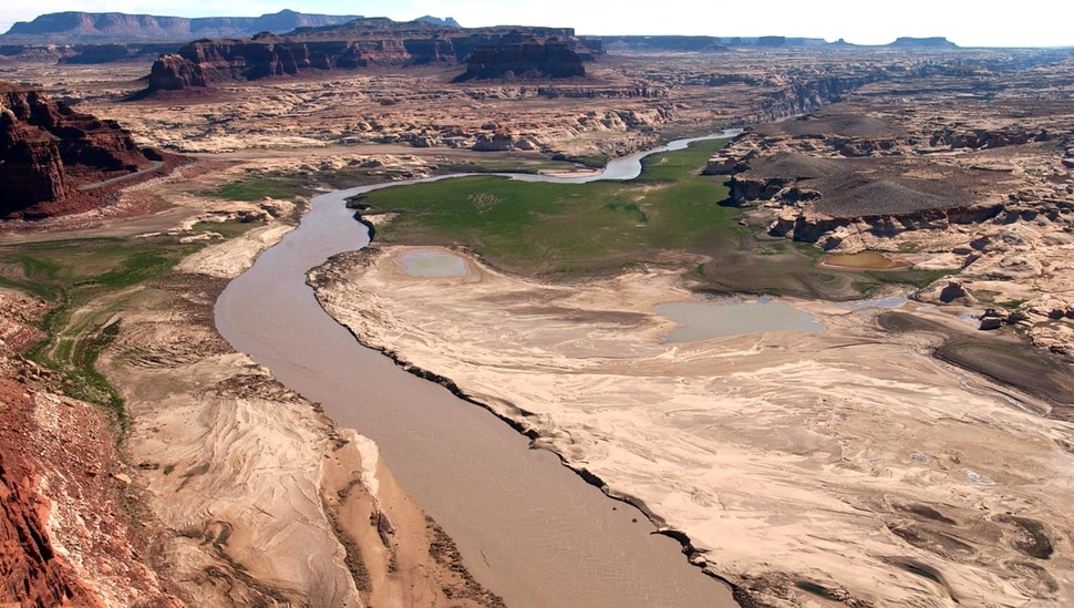 (Trent Nelson | Tribune file photo) The view from the Hite Overlook on the Colorado River, as seen in 2003. The Lake Powell Pipeline would draw water from the river at Lake Powell, behind Glen Canyon dam, and pump it some 140 miles north and west for delivery to homes and businesses in St. George and other Utah communities.