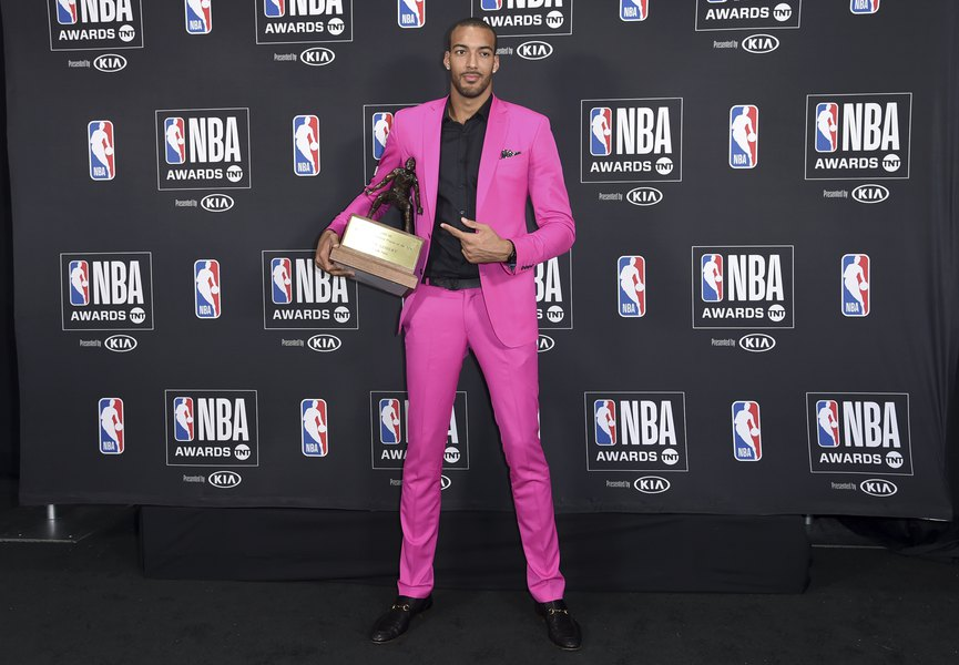 Jazz s Rudy Gobert is honored as NBA Defensive Player of Year - The ... f2e3a1069