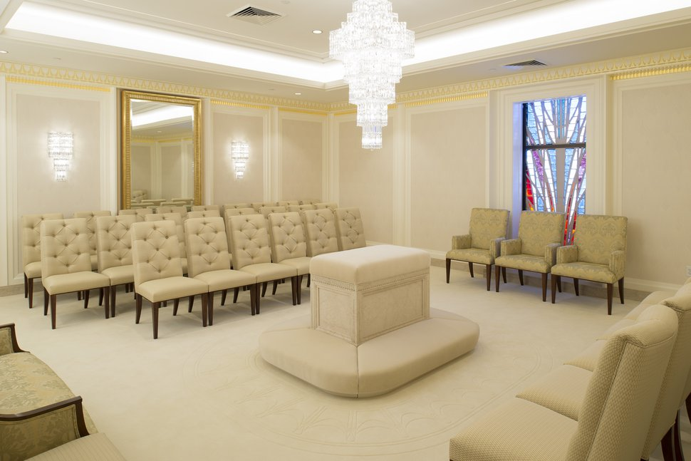 (Photo courtesy of The Church of Jesus Christ of Latter-day Saints) One of the sealing rooms in the Jordan River Temple.