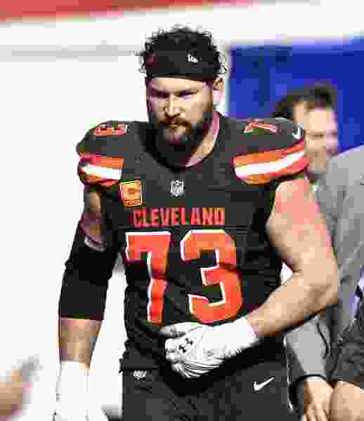 Browns lineman Thomas in for bumper pay rise