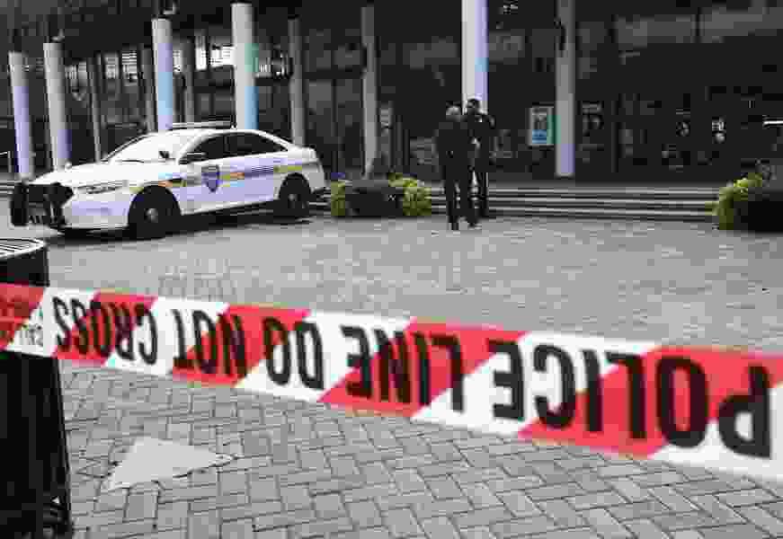 Shooting suspect was able to buy guns despite mental illness