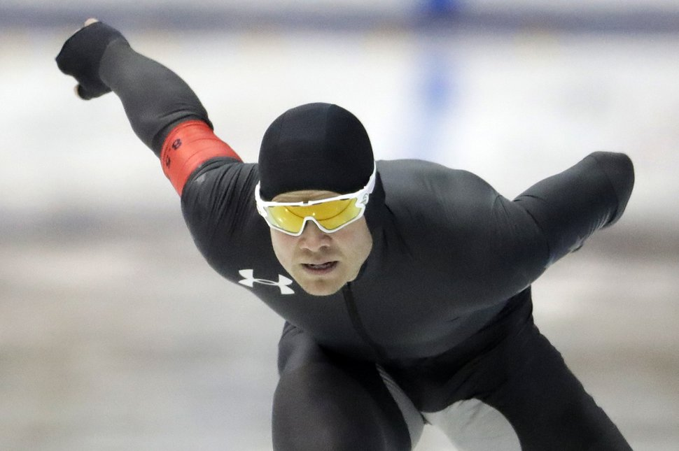 Joey Mantia competes in the men's 1,000 meters during the U.S. Olympic long track speedskating trials, Wednesday, Jan. 3, 2018, in Milwaukee. (AP Photo/Morry Gash)
