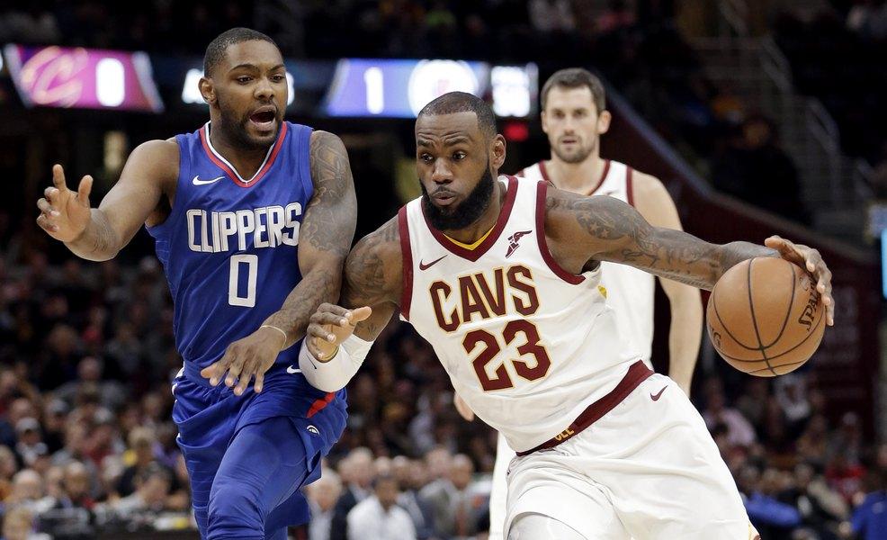 LeBron James scores 39 points 4439bd80a