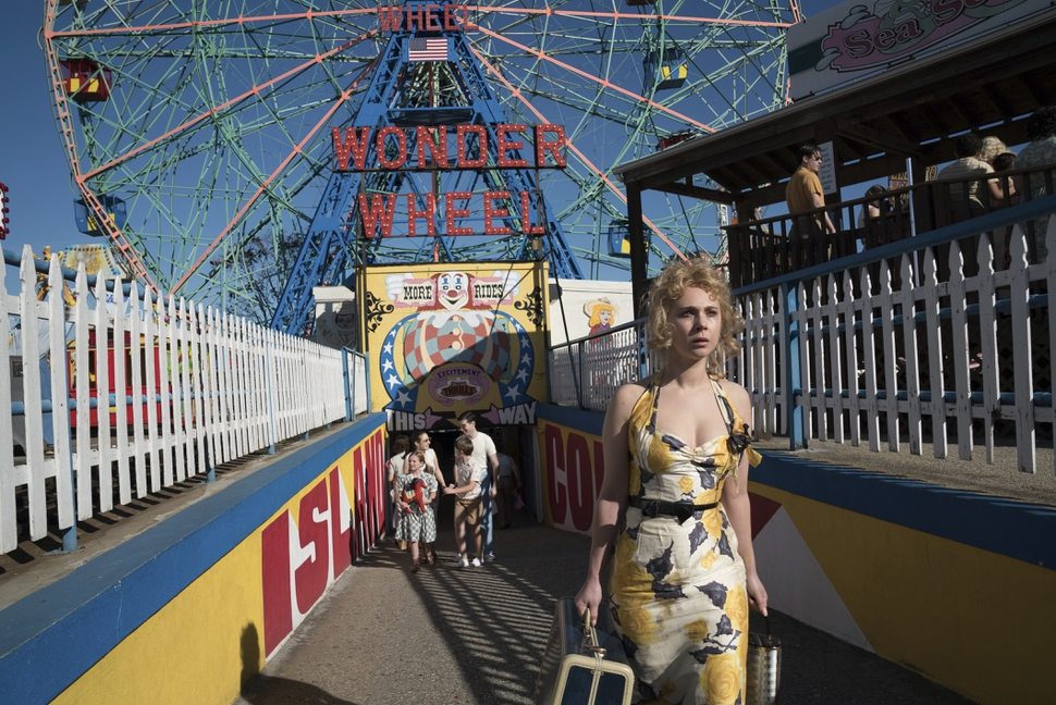 This image released by Amazon Studios shows Juno Temple in a scene from Wonder Wheel. (Jessica Miglio/Amazon Studios via AP)