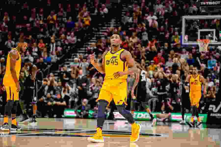 Kragthorpe: Sensational rookie Donovan Mitchell is helping fans forget Gordon What's-his-name
