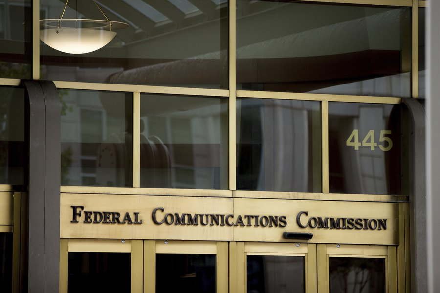 fcc plan would give internet providers power to choose the sites