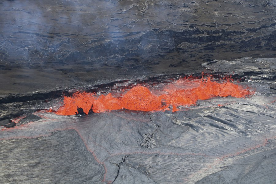 Image result for Lava and strong earthquakes force mandatory evacuations on Hawaii's Big Island