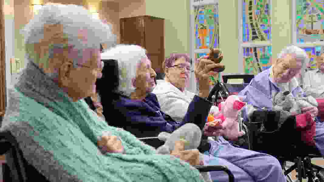 Dementia and religion: Songs and stuffed animals instead of sermons