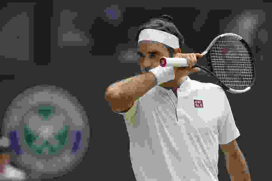 Federer shocked by Anderson in Wimbledon quarters epic