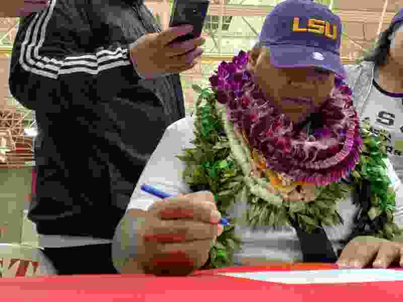 East High's Siaki Ika, the state's top prep football prospect, chooses LSU over Utah, Florida, USC and Oregon