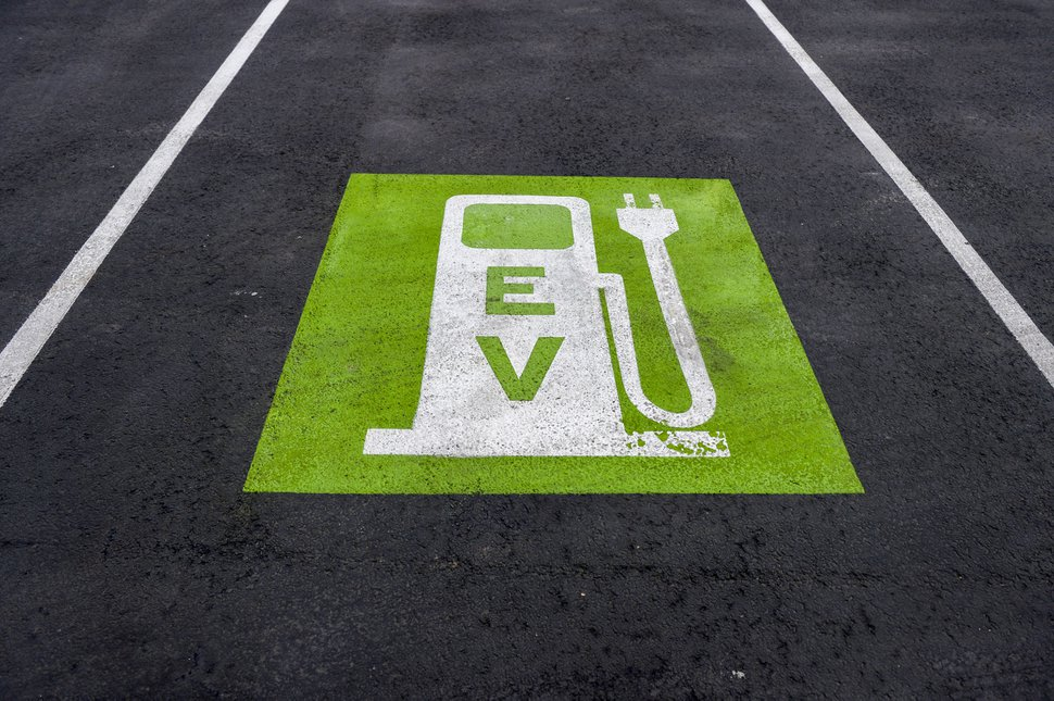 (Leah Hogsten | Tribune file photo) A Utah electric vehicle charging station, Jan. 6, 2020.