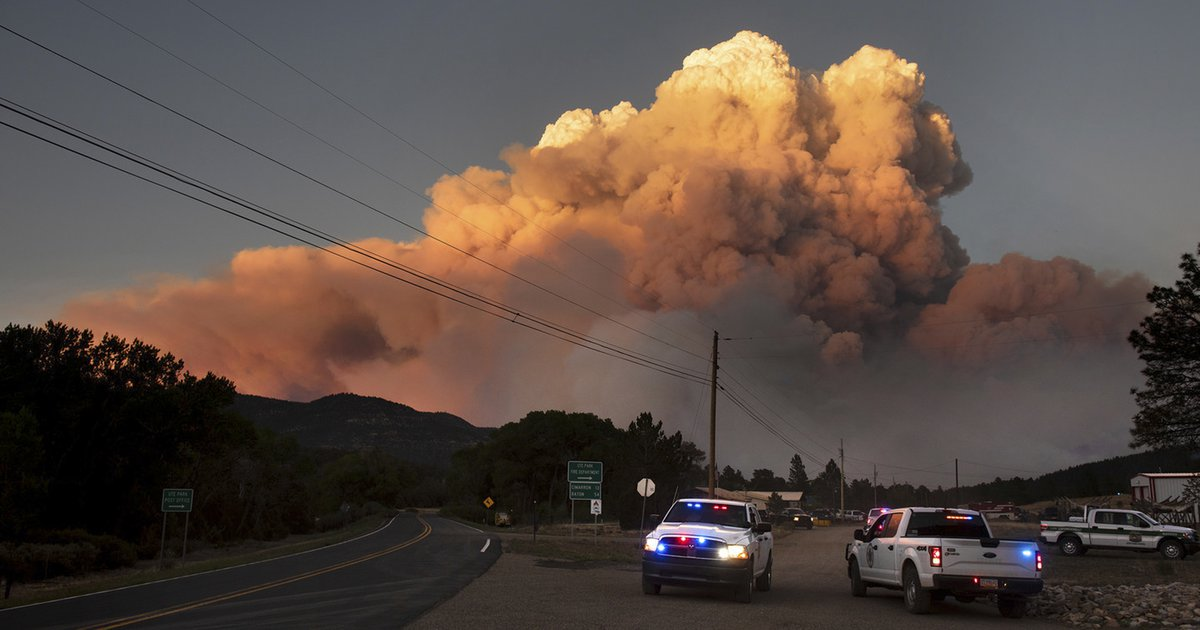 New Mexico wildfire threatens village, burns empty buildings at Boy ...