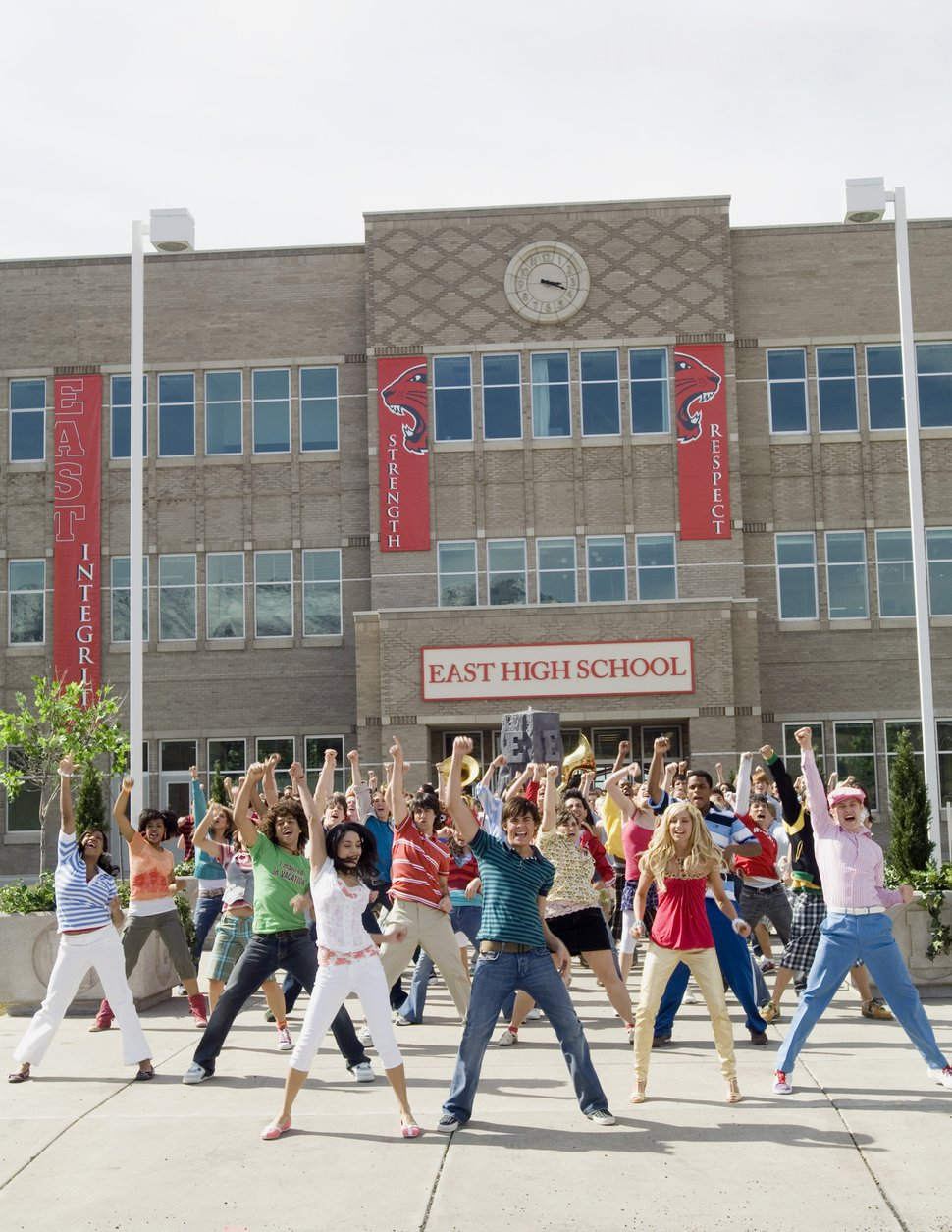 (Photo courtesy Fred Hayes/Disney Channel) Monique Coleman, Corbin Bleu, Vanessa Hudgens, Zac Efron, Ashley Tisdale and Lucas Grabeel returned to East High for