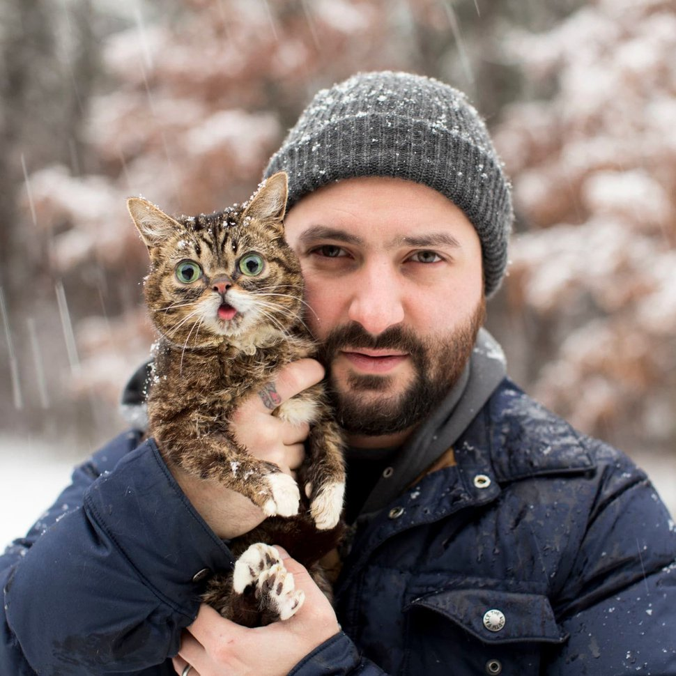 (Mike Bridavsky | lilbub.com) Mike Bridavsky and his famous, and now scientifically significant, cat, Lil Bub.